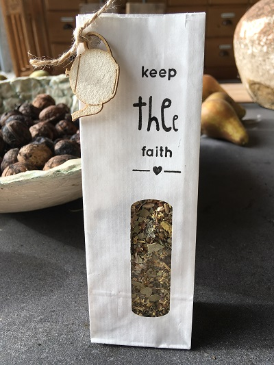 sTHEE Safe! of Keep THEe Faith - gevuld met biologische thee